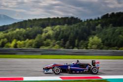 West-TecF3车队驾驶达拉拉F312梅赛德斯赛车的费利克斯·塞拉尔斯