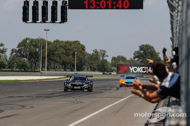 #19 PIXUM Team Schubert 宝马 Z4 GT3: 多米尼克·鲍曼, 克劳迪奥·许尔特根 取胜
