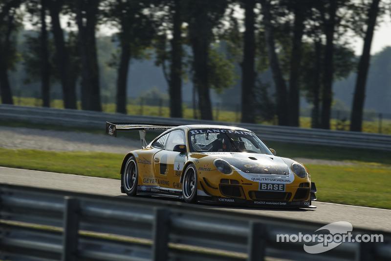 #3 Team Schütz Motorsport Porsche 911 GT3 R: Christian Engelhart, Jaap van Lagen