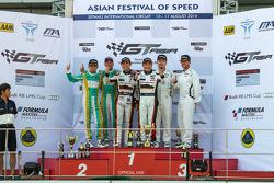 Sepang 2. yarış Podyum: Kane Jiang, Max Wiser, Keita Sawa, Mok Weng Sun, Anthony Liu, Davide Rizzo