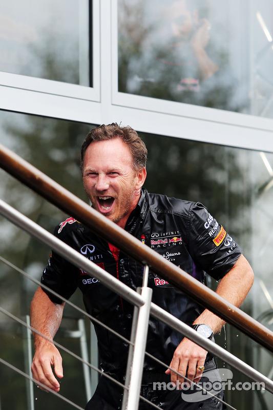 Christian Horner, Red Bull Racing Takım Patronu ALS ice bucket challenge etkinliğinde