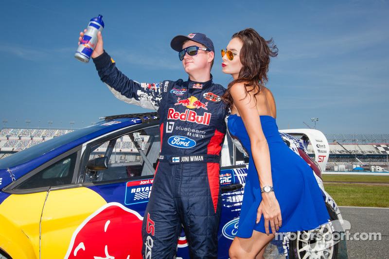 #31 Olsbergs MSE Ford Fiesta ST: Joni Wiman com a Red Bull girl