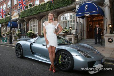 Maria Sharapova e Mark Webber em Wimbledon