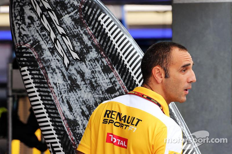 Cyril Abiteboul, Renault Sport F1 Genel Müdürü ve bir sörf