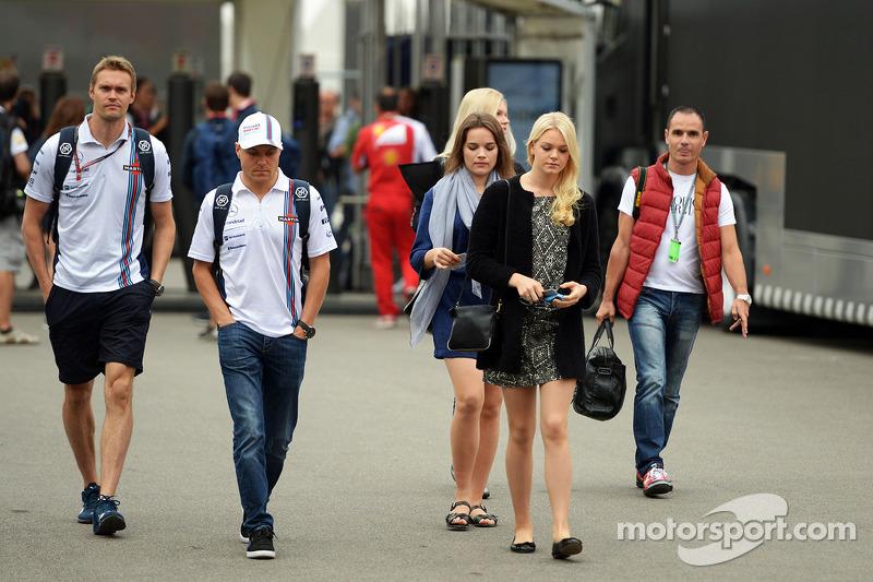Valtteri Bottas, Williams con la fidanzata Emilia Pikkarainen (FIN)