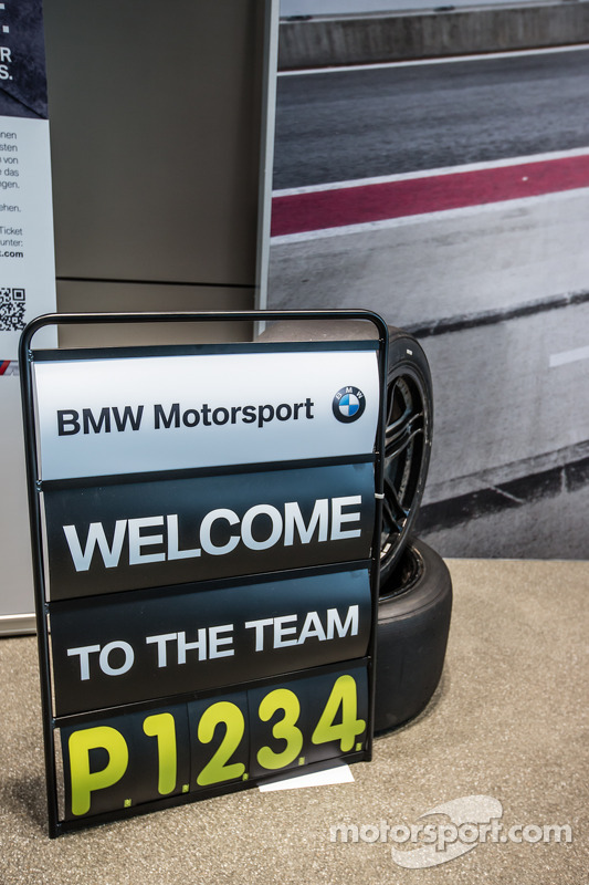 Placa no box da BMW Motorsport DTM celebra as quatro primeiras posições no Red Bull Ring