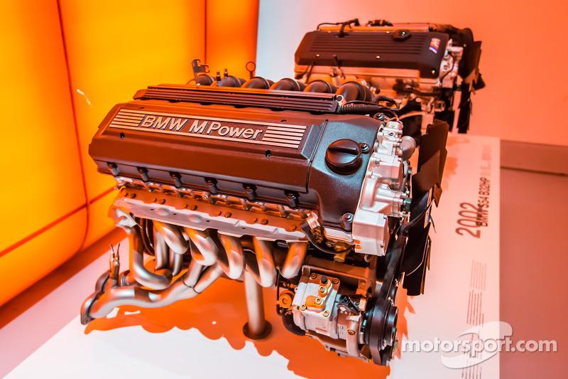 1997 BMW S50 B32 engine