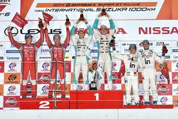 Podium: winners Kazuki Nakajima, James Rossiter, second place Tsugio Matsuda, Ronnie Quintarelli, third place Naoki Yamamoto, Frederic Makowiecki