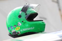 Helm von Henri Pescarolo