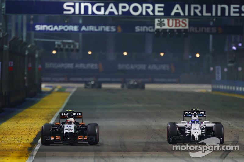 Sergio Pérez, Sahara Force India F1 VJM07 y Valtteri Bottas, Williams FW36 en batalla por la posició