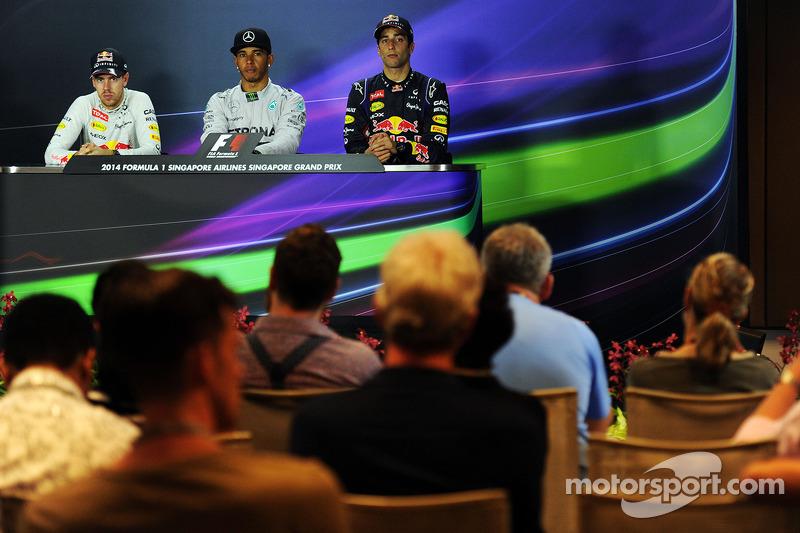 Conferenza stampa della FIA post gara, Red Bull Racing, secondo; Lewis Hamilton, Mercedes AMG F1, vincitore della gara; Daniel Ricciardo, Red Bull Racing, terzo