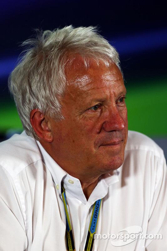 Charlie Whiting, comissário da FIA, na coletiva de imprensa