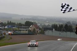 #10 Prosperia C. Abt Racing 奥迪 R8 LMS ultra: 凯尔文·范德林德, 雷内·拉斯特 获得胜利
