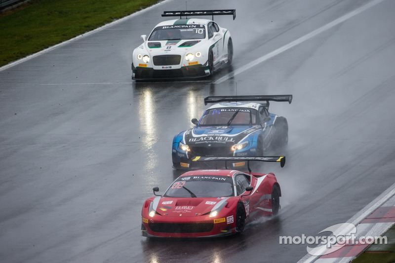 #458 GT Corse by Rinaldi 法拉利 458 Italia: 皮埃尔·埃雷, Alex和er Mattschull, Frank Schmikler, #79 Ecurie Ecosse 宝马 Z4: 安德鲁·史密斯, 阿拉斯代尔·麦凯格, 奥利弗·布莱恩特