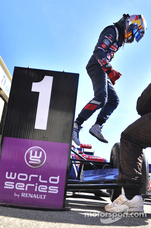 Vencedor corrida Carlos Sainz Jr.