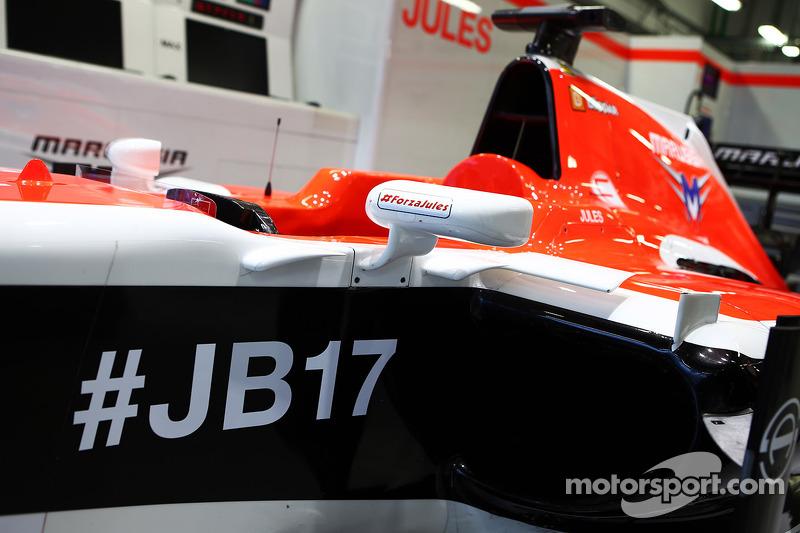 Marussia F1 Team MR03 di Jules Bianchi, con i messaggi di supporto: hashtag #ForzaJules e # JB17