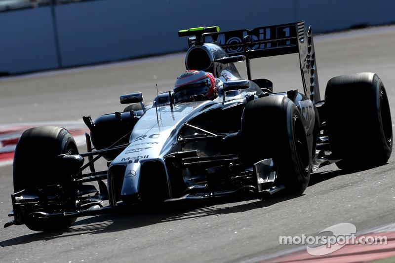 Kevin Magnussen, McLaren F1  10