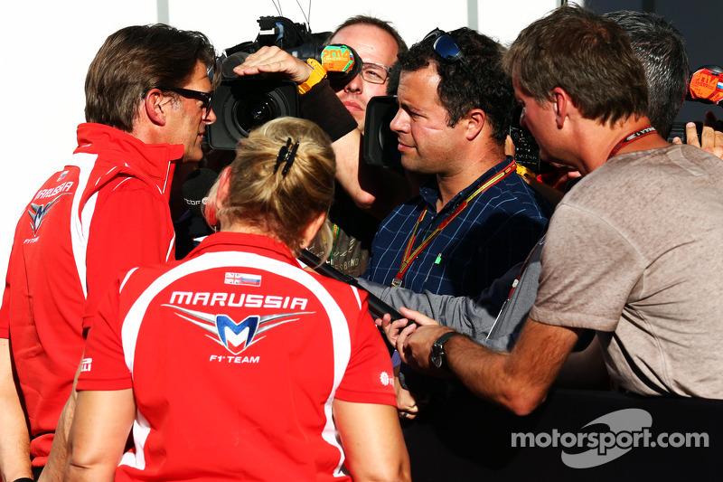 Graeme Lowdon, Amministratore Delegato Marussia F1 Teamr con Ted Kravitz, Sky Sport Reporter dalla P