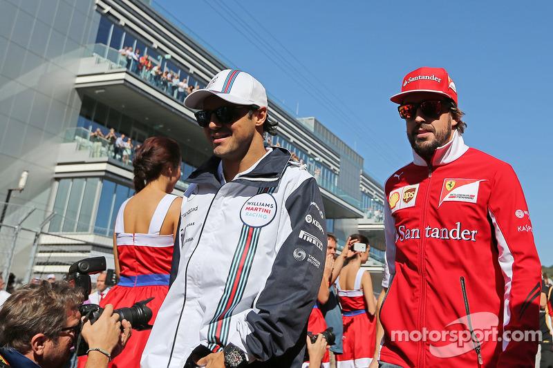 Felipe Massa, Williams ve Fernando Alonso, Ferrari pilot geçiş töreninde