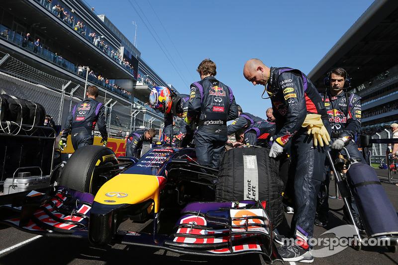 Daniel Ricciardo, Red Bull Racing RB10 on the grid