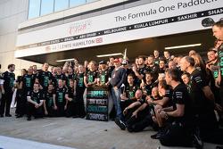 Paddy Lowe, Director Ejecutivo de Mercedes AMG F1, Mercedes AMG F1; Lewis Hamilton, Mercedes AMG F1;