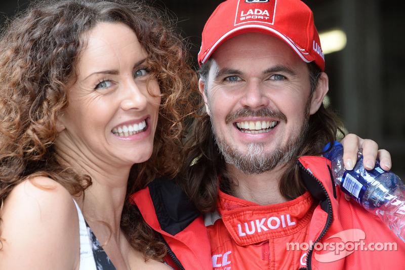 James Thompson, Lada Granta 1.6T, LADA Sport Lukoil and Wife