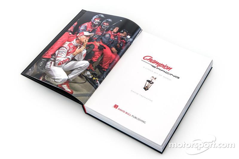 A Little Bit of Magic - historia del libro Champion Racing