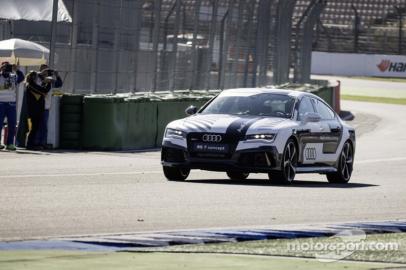 Audi RS7 Pilotless Test Drive