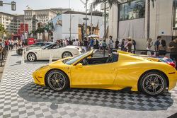 60-летний юбилей Ferrari в Северной Америке, Беверли-Хиллс, суббота.