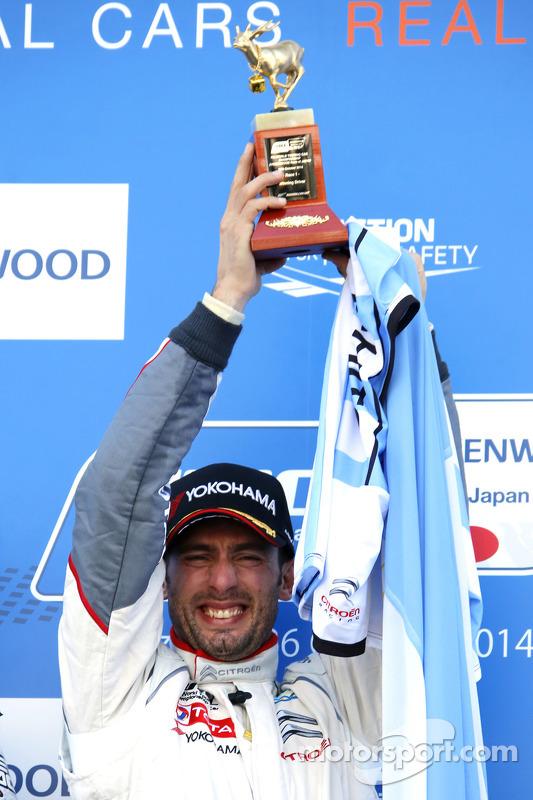 Vencedor da corrida e 2014 campeão Jose Maria Lopez, Citroën C-Elysee WTCC, Citroën Total WTCC