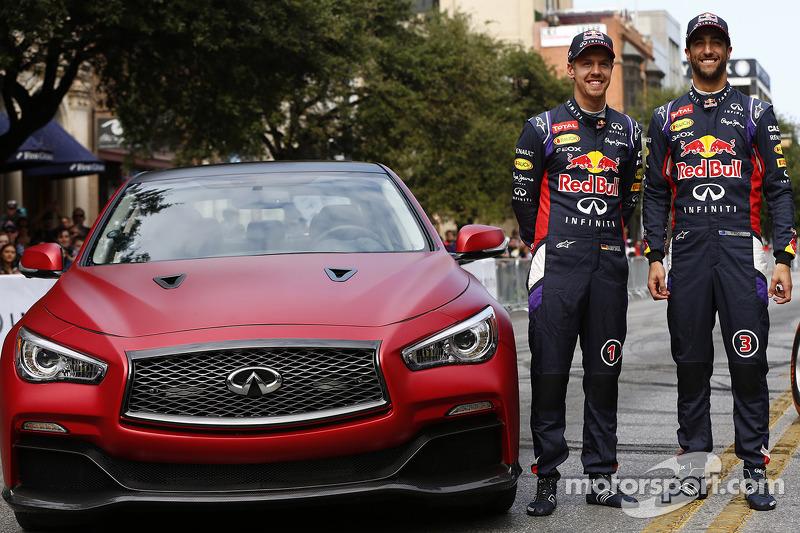 Daniel Ricciardo ve Sebastian Vettel