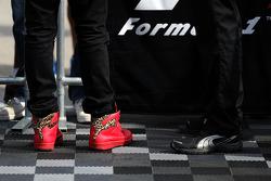 刘易斯·汉密尔顿的PUMA赛车鞋, 梅赛德斯AMG F1车队