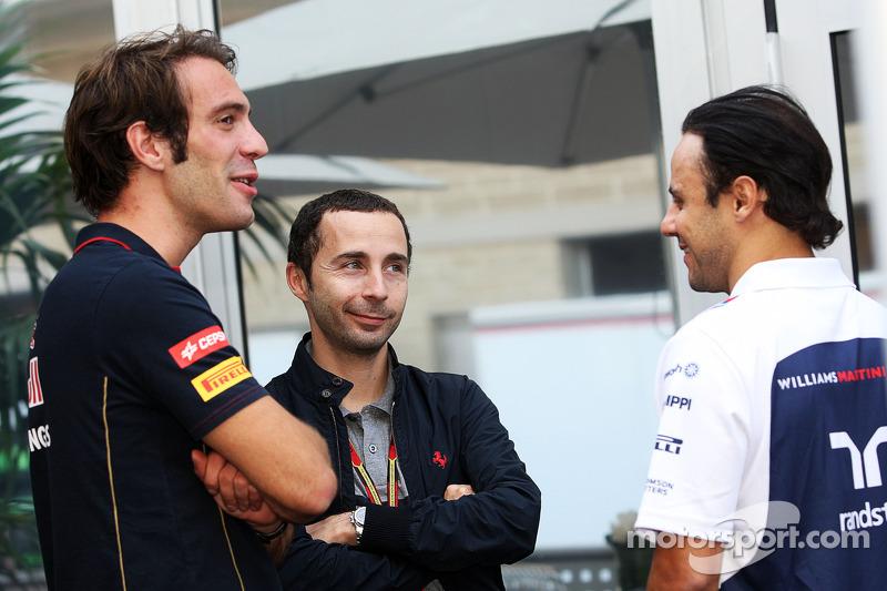 (De izquierda a derecha): Jean-Eric Vergne, Scuderia Toro Rosso con Nicolas Todt, Administrador de c