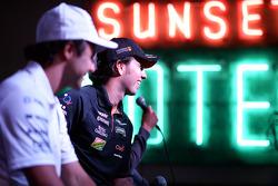 (De izquierda a derecha): Felipe Massa, Williams y Sergio Pérez, Sahara Force India F1 en el Foro de Aficionados