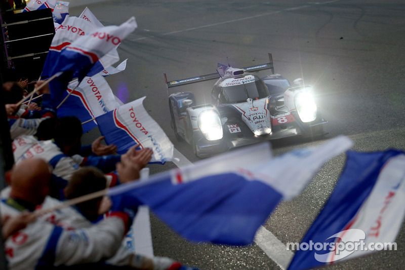 #8 Toyota Racing Toyota TS040-Hybrid: Anthony Davidson, Sebastien Buemi takes the win