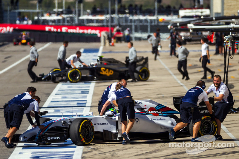 Felipe Massa, Williams FW36 in the pits