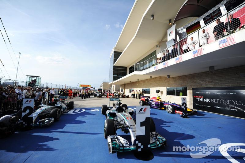 El Mercedes AMG F1 W05 de Lewis Hamilton, Mercedes AMG F1 en parc ferme