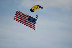Paraşüt ve ABD bayrağı