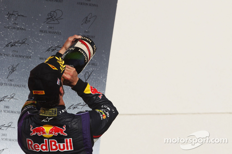 Daniel Ricciardo, Red Bull Racing celebrates his third position
