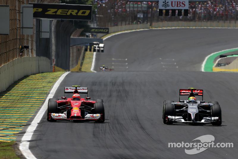 Kimi Raikkonen, Scuderia Ferrari y Esteban Gutiérrez, Sauber F1 Team