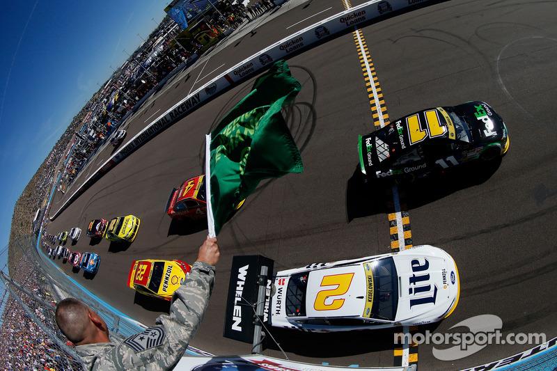 Partenza: Denny Hamlin, Joe Gibbs Corsa Toyota al comando
