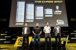 Şampiyona yarışmacıları Basın konferansı: Kevin Harvick, Stewart-Haas Racing Chevrolet, Ryan Newman, Richard Childress Racing Chevrolet, Joey Logano, Penske Ford Takımı, Denny Hamlin, Joe Gibbs Racing Toyota