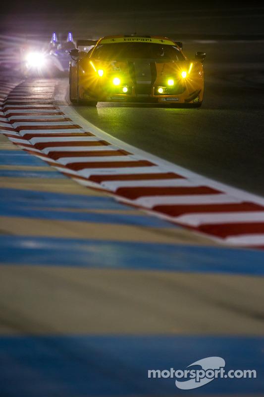 #61 AF Corse 法拉利 458 Italia: 老亚历山大·塔尔卡尼察., 亚历山德罗·皮耶尔圭迪, 杰夫·西格尔