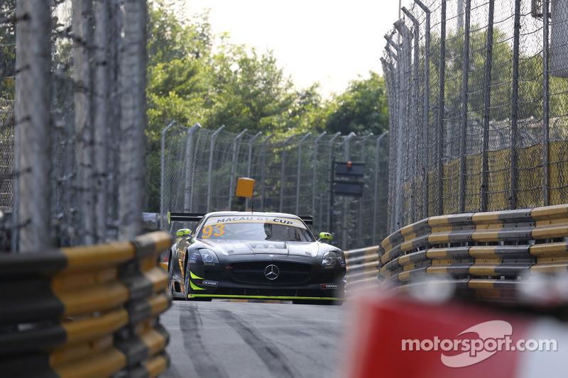 #93 Team AAI Mercedes-Benz SLS AMG GT3: Carlo van Dam