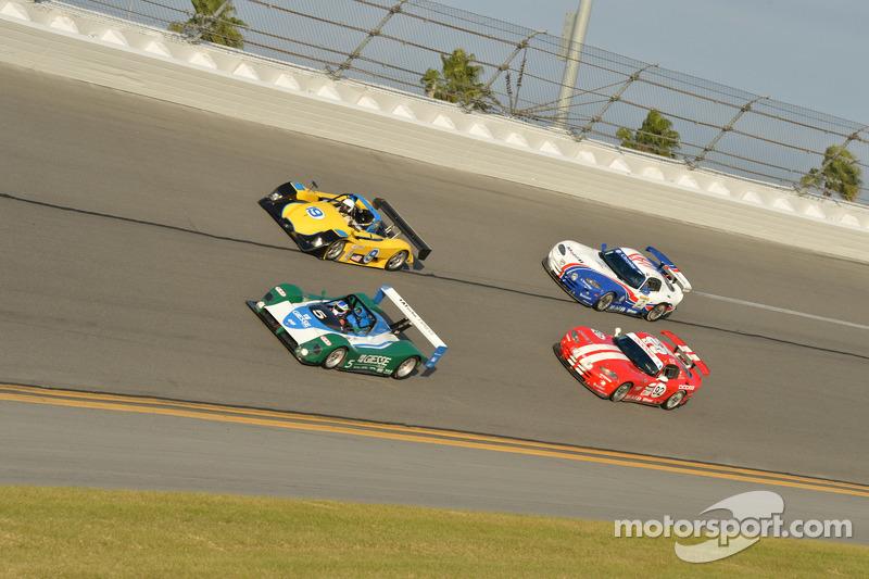 1998 Ferrari 333SP, 2002 Lola B2K/40, 2000 Dodge Viper, 1999 Dodge Viper