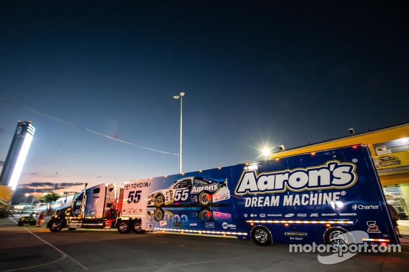 Hauler per Brian Vickers, Michael Waltrip Racing Toyota