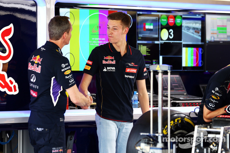 (L to R): Paul Monaghan, Red Bull Racing Chief Engineer with Daniil Kvyat, Scuderia Toro Rosso