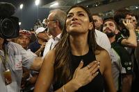 Nicole Scherzinger, cantante, fidanzata di Lewis Hamilton, Mercedes AMG F1, festeggia nel parco chiuso