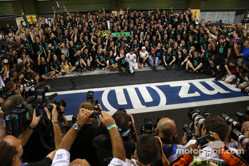First place and World Champion Lewis Hamilton, Mercedes AMG F1 W05 with Nicole Scherzinger, Singer,