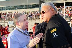(Da sinistra a destra): Jean Todt, Presidente FIA con Dr. Vijay Mallya, Titolare Sahara Force India F1